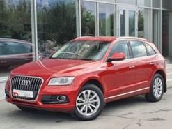 Audi Q5 2015 г. (красный)