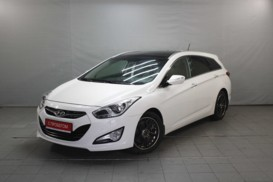 Hyundai i40 2012 г. (белый)