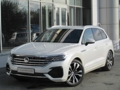 Volkswagen Touareg 2018 г. (белый)