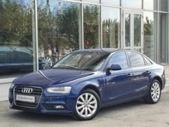 Audi A4 2013 г. (синий)