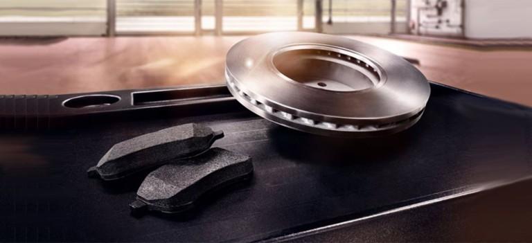 Специальное предложение по замене тормозных колодок и дисков